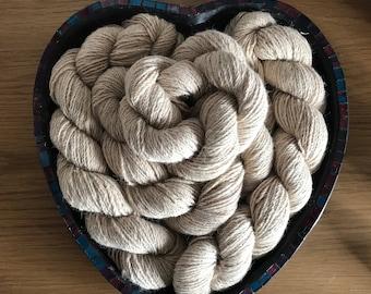 100g natural undyed cream alpaca skein