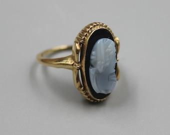 Solid Yellow Gold 10K Gold Cameo Ring Estate Jewelry from Charmhuntress X108