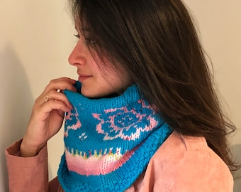 Blossoms by the Beach Cowl / Knitting Pattern / Cowl Knitting Pattern