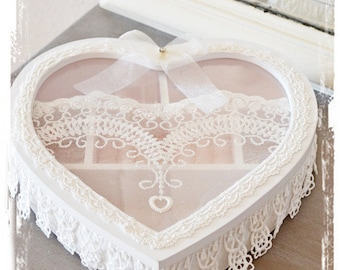Beautiful shabby chic jewelry box