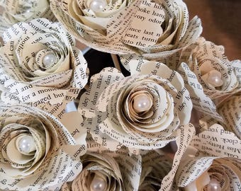 12 Book Page Outlander Flowers / Wedding / Birthday / Baby Shower / Anniversary Diana Gabaldon Book Page Flowers