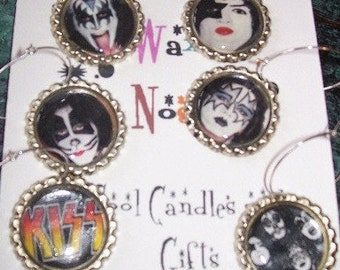 Kiss Wine Charms