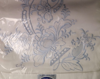 Vintage FULL Flat Sheet & Pillowcases Set - New in Package - Elegant Blue Embroidered