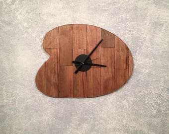 "Large Clock""Reclaimed Pallet Wood Clock-Retro style-Boomerang shape-wall Art-Home decor- unique design- No Tick"