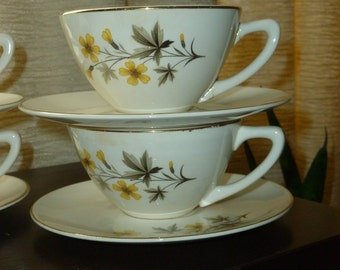 Vintage Tea Luncheon Set for Two Knowles  Sunlight Pattern Daisy Floral   2 Teacups, 2 Saucers 2 Bread plate, 2 Berry Bowl Tea Garden Party