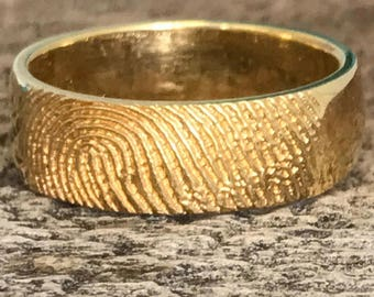 Fingerprint Wedding Band in Yellow Gold, 7mm wide