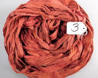 Sari de ruban, orange saumon sari de soie ruban, ruban de Sari de soie recyclée, ruban, ruban en automne, tissage d'alimentation, approvisionnement en tricot, crochet approvisionnement