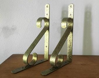 lightweight mid century goldtone shelf brackets. vintage shelf brackets. mid century glam hollywood regency boho shelf brackets.