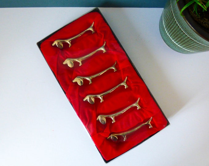 Vintage Dachshund knife rests