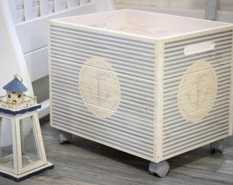 "Decorative wooden box on wheels ""Marseille"" 40x30x30"