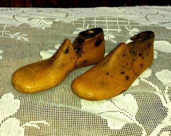 Antique Wooden Child's Shoe Mold, Cobbler Mold, Primitive Childrens Shoe Mold, Antique Cobbler Tools, Country Decor, Farmhouse Decor, Wood