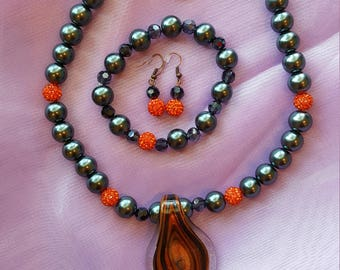 Glass pendant pearl necklace set