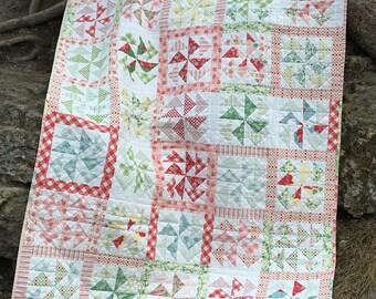 Pinwheels throw quilt