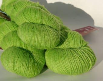 Merino/Alpaca suri (50/50) - hand - dyed Apple green - 100g