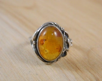 Vintage Amber Sterling Silver Ring, Large Oval Shaped Honey Amber Ring, Sterling Silver Amber Ring Sz 6.5, Vintage Silver Ring, Amber Ring