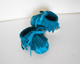 Baby Moccasins, Handmade Hand Sewn Fringe Infant Mocs, Turquosie Blue Deerskin Moccasins, Natural Soft Sole Baby Shoes, Newborn Gift