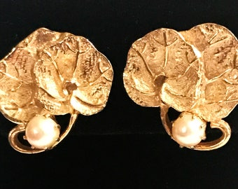 Vintage KRAMER clip back earrings.  Water Lily pads w. genuine PEARLS