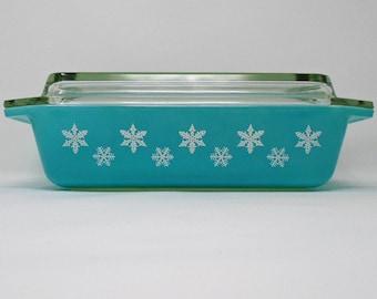 Vintage JAJ Space saver Turquoise Gaiety Snowflake Deep Dish Pyrex Casserole Dish