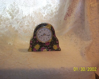 Classic vintage Black Floral Decorative Clock