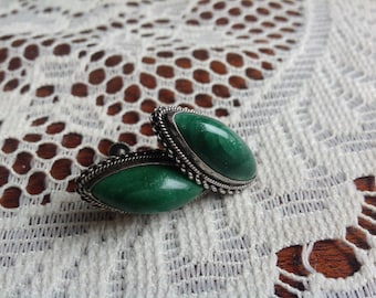 Old Mexico Silver screw on Earrings with raised green Onyx detail scalloped silver