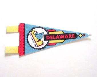 Delaware Souvenir Pennant, Vintage Miniature DE Blue Hen State Felt Flag