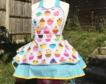 cupcake , cupcake apron , retro apron, spotty apron, cooking , kitchen , apron ,cupcake apron