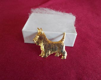 Vintage Tiny Dog Gold Tone Brooch //6