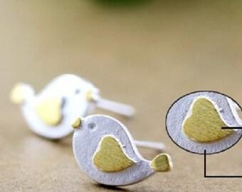 bird stud earrings,sterling silver bird stud earrings, tiny bird earrings, simple bird earrings,animal earrings,animal stud earrings