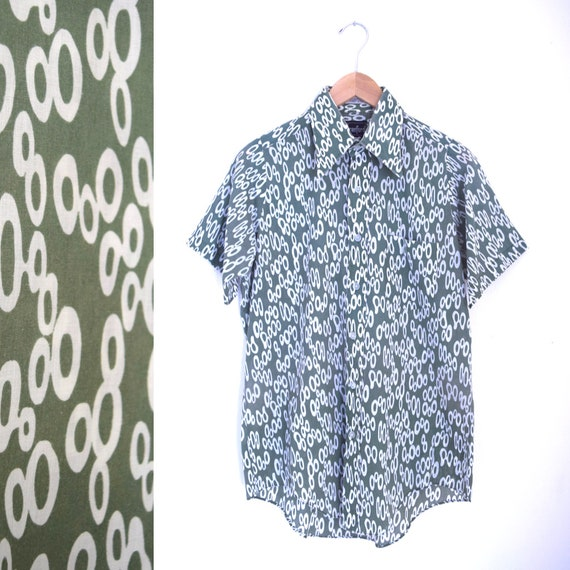 Vintage 60s 70s Sage Green and White Abstract Circles Short Sleeved Button Down Shirt (size medium)