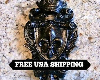 Shield Wall Plaque | Fleur De Lis | Medieval | Old World | Tuscan | Crown | Royal | King | Queen | Free Shipping | Fleurdelisjunkie