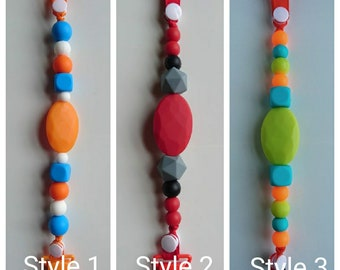 Silicone beaded pacifier clips