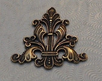 LuxeOrnaments Oxidized Brass Filigree Focal 24x23mm (Qty 1) F-A6460-B