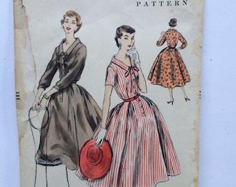 Vintage 1955 Vogue Pattern 8648 Size 12  Bust 30