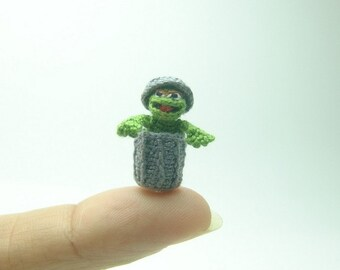 dollhouse miniature dolls - Green crochet amigurumi muppets