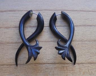 Twister Fake Earrings, Fake Gauge Earrings, Tribal Horn Fake Earrings, Buffalo Horn Accessories, Bali Jewelry, HRN  611