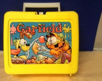 Vintage 1978 Plastic Garfield Lunch Box w/Thermos