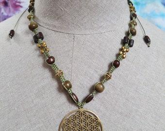 Flower od Life necklace, Macrame necklace, Macrame pendant necklace, Square knot necklace