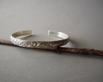 Sterling Silver Bangle Bracelet, Patterned Bangle Bracelet, Artisan Jewelry, Rustic Handcrafted, Urban Chic Jewelry, Casual Jewelry,