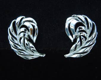 Earrings Signed Star Silver Tone Feather Design Vintage