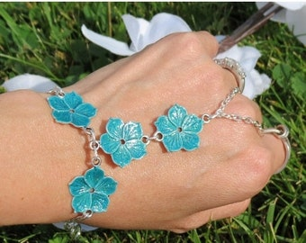 Shallow Waters floral hippie bracelet, ring bracelet, finger bracelet, handflower, hand chain bracelet, slave bracelet ring, slave jewelry