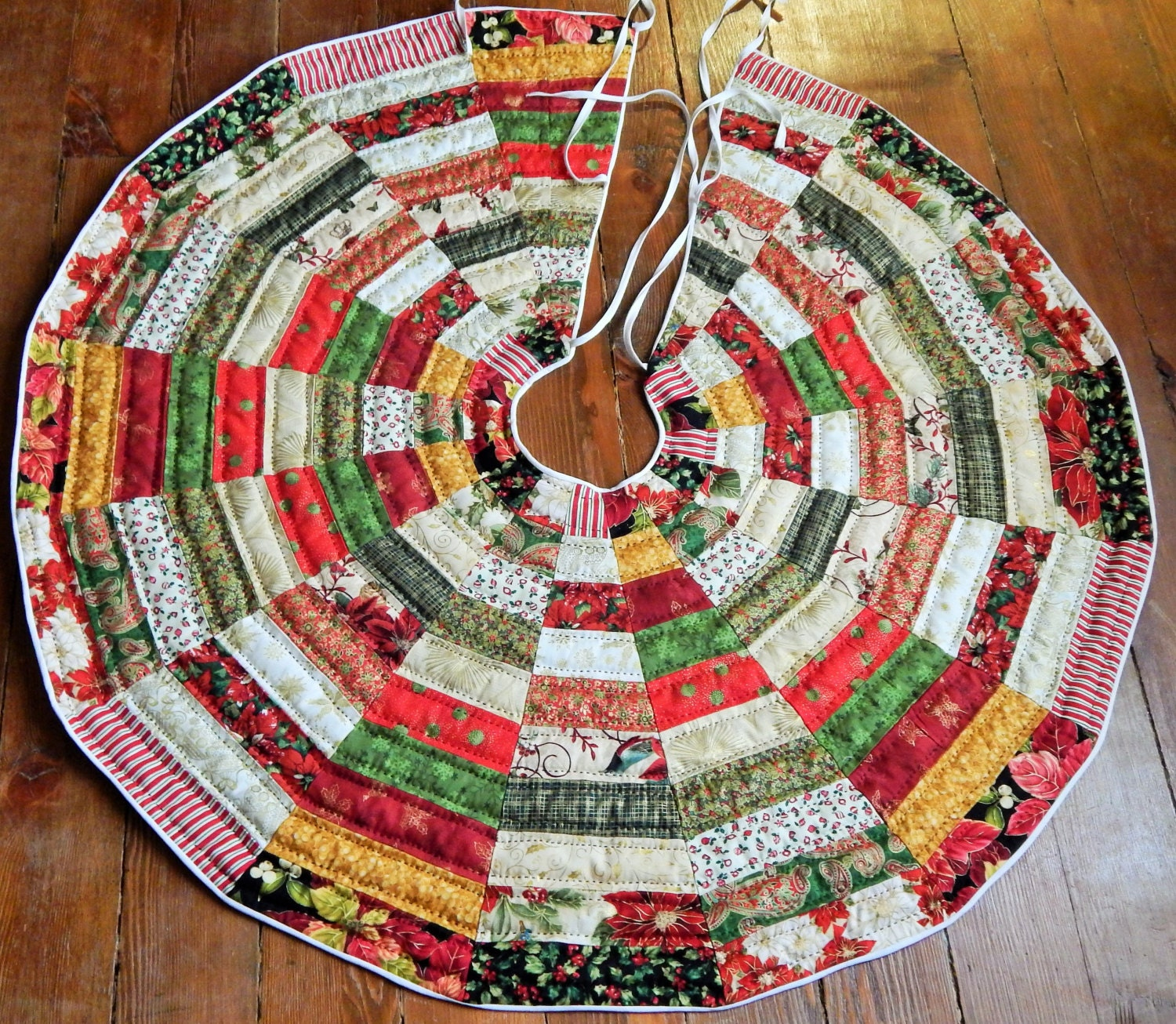Patchwork Quilted Christmas Tree Skirt Pattern : quilted tree skirt pattern - Adamdwight.com