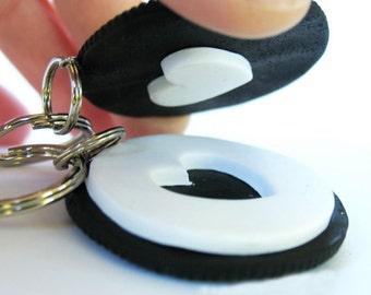 Best Friend Keychains, Oreo Cookie Keychain, Miniature Food, Food Keychain, Heart Keychain, Oreo Cookie Heart