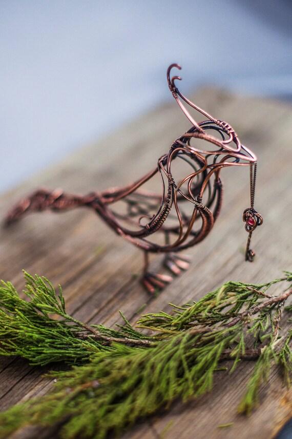 Kunst Figur Kupfer Vogel mit Granat Schlüssel Skulptur