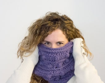 Cozy and warm infinity cowl, boho infinity scarf crocheted in wool, THE CROCE ARCANA, winter wool crochet scarf