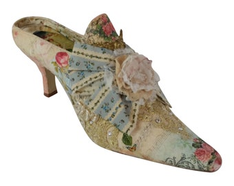 Marie Antoinette shoes ...  digital print roses ...Romantic wedding shoes .. comfortable wedding shoes .. FREE shipping within USA