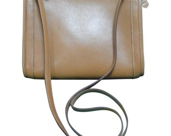 80's vintage HERMES tanned brown, courchevel leather chestnut color,  shoulder pouch bag, clutch purse. Classic masterpiece for unisex use