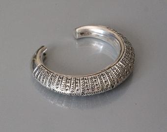 Oversized ornate hand made heavy sterling silver bangle bracelet (96.5% pure silver).