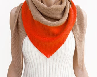 triangle scarf, beige, red orange, color block, knit scarf, knit triangle scarf, scarf, shawl, color block scarf, knitwear, THE KNIT KID