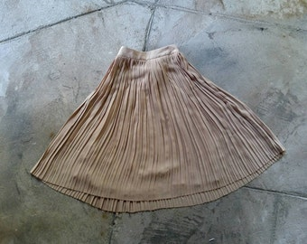 Pleated midi skirt medium