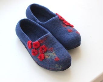 Home slippers women felted slippers blue house shoes red flowers custom slippers gift for her felt shoes wool home slippers wool clogs